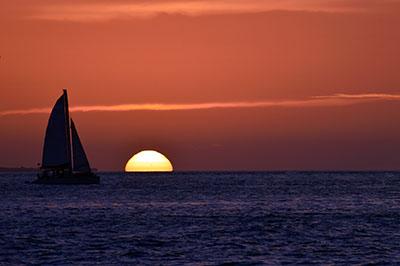 סירה מפרש שקיעהסירות סירה מפרש שקיעה