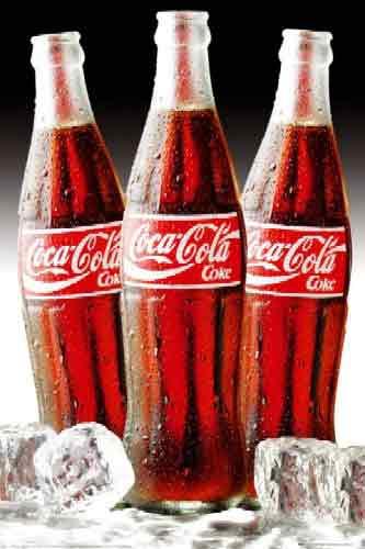 קוקה קולה על קרחתמונות של משקאות  קוקה קולה ילדים כרזה צילום רטרו פרסומות מטבח קרח קיץ