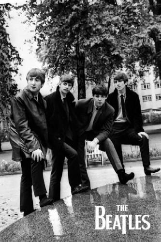 החיפושיות the beatles  שחור לבן תמונה ג'ון לנון פול מקארתני ג'ורג' האריסון רינגו סטאר