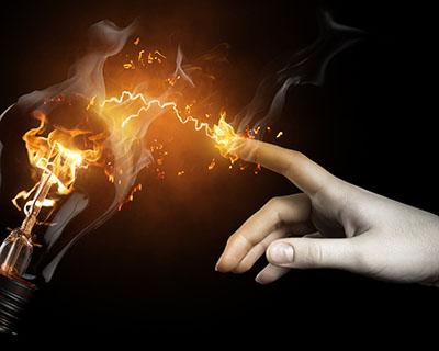 נגיעהנגיעה  lamp-current-hand-finger-fire