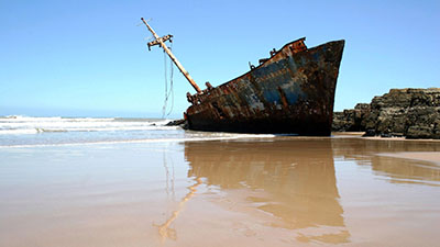 ספינה על שירטוןספינה ישנה    סירה ישנה 129