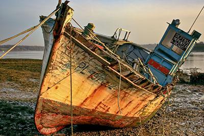 ספינה ישנה   ספינה ישנה    סירה ישנה 129   _boat_on_the_beach