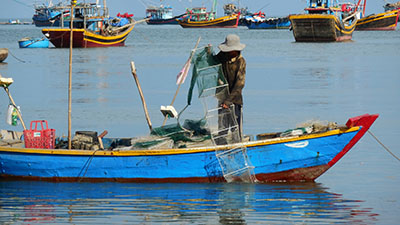 דייג  - ויטנאםספינה ישנה סירה ישנה  _vietnam