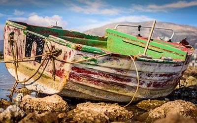 סירה ישנה ספינה ישנה סירה ישנה