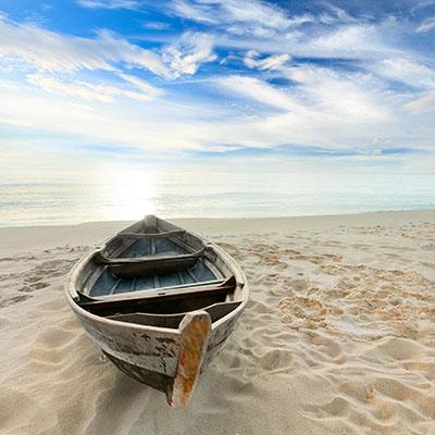 סירה   על  חוףסירות   סירה