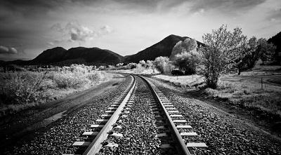פסי רכבתתמונות מטוסים רכבות   walk_along_the_railway  פסי רכבת