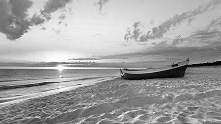 חוף ים - סירהחוף ים - סירה