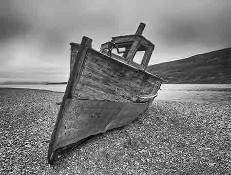 ספינה על החוףספינה על החוף