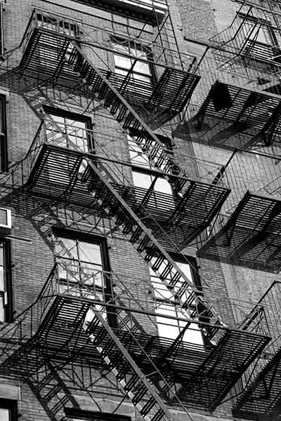 ניו יורק  NYC Buildings with fire exit ladders_NYC_-_Buildings_with_fire_exit_ladders