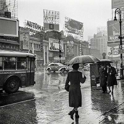 1943  New York. Times Square