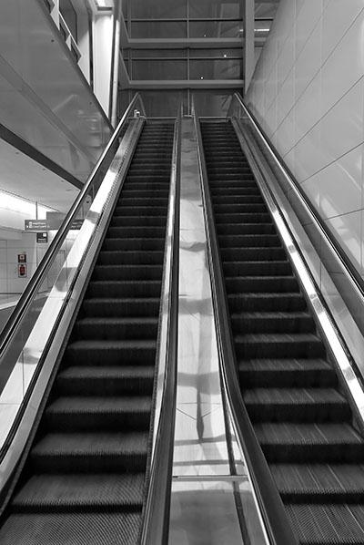 מדרגות נעותמדרגות נעות  נגיעות צבע