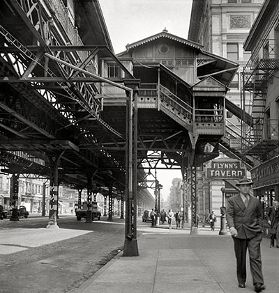 ניו יורק   New York Cityגשר _1942._New_York._Third_Avenue_elevated_railway_at_18th_Street