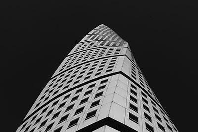 בניין מתעקם_turning_torso_malmo_sweden
