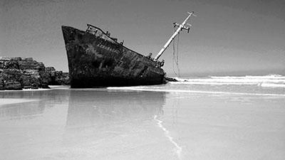 סירה ישנה  ספינה ישנה