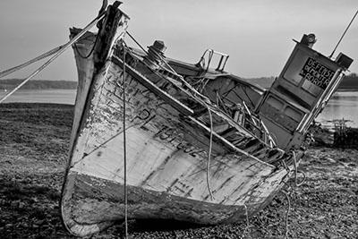 סירה ישנה  סירה ישנה  ספינה ישנה
