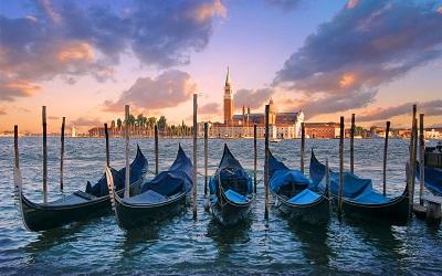 ונציה גונדולות איטליה   Gondoles Venice Italyונציה גונדולות איטליה שקיעה   Gondoles Venice Italy