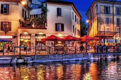 רחוב הנהרstreet_city_night_beach_cafes_shops_cars