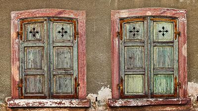 חלונות ישנים  bench