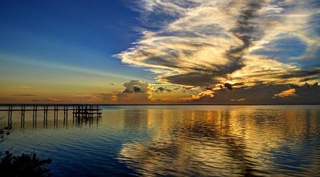 ים - מזח גשר שקיעה -   זריחה קיצית a_mid_summers_sunrise