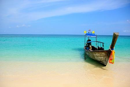 ים חוף סירה  ים חוף סירה