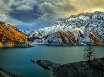 הרים ואגםהרים ואגם