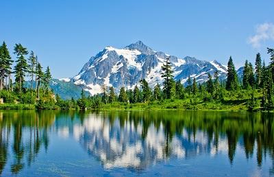 נוף הרים ואגםנוף הרים  אגם