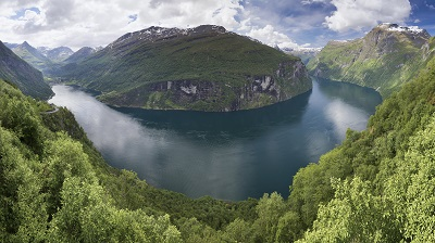 Geiranger fjord_Geirangerfjord from_rnesvingen