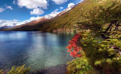 אגם בארגנטינה lake in argentinaאגם בארגנטינה lake in argentina