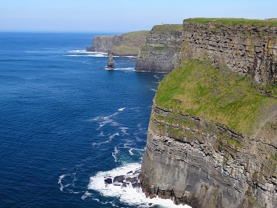 צוקים אירלנדצוקים אירלנד -Cliffs-Of-Moher-OBriens-From-SouthTourism in the Republic of Ireland