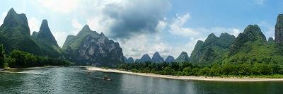 שייט על נהר גוילין - סין שייט על נהר גולין  גוילין סין -guilin-li-river-landscape