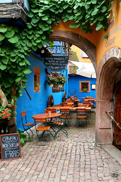 בית קפה בצרפת Cafe in Franceבית קפה בצרפת Cafe in France