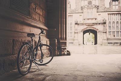 אופנייםאופניים_building-vintage-bike-monument