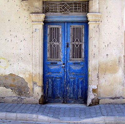 קפריסיןקפריסין   _old-doors-and-buildings-of-nicosia