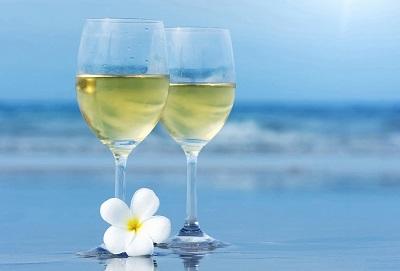 כוס יין לבן  White  Wine  Glassesתמונות של יין  תמונות של משקאות  כוס יין לבן  White Wine Glasses