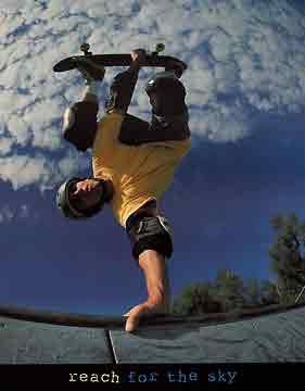 להגיע לשמייםנחישות הרפתקאה סיכון כיף fun סקטבורד ספורט תעוזה