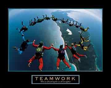 עבודת צוותנחישות הרפתקאה סיכון כיף fun יחד ספורט להעיז אויר