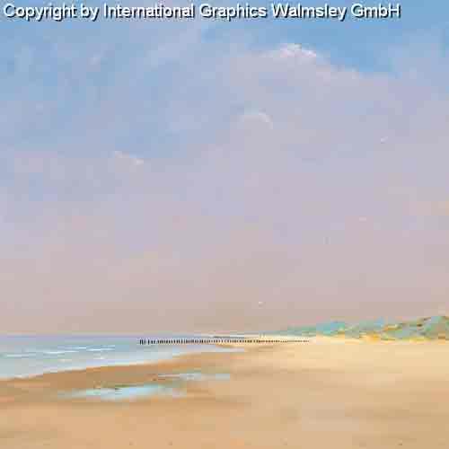 בחוף הים 2שפת ים פסטורלי יום שמש שמיים כחולים עננים צבעים בהירים