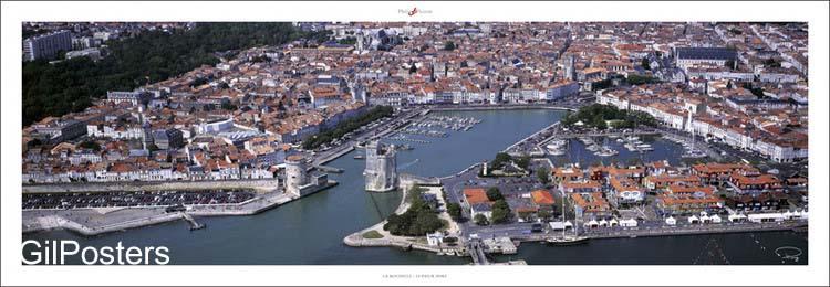 מגדל שמירה בכניסה לנמל עתיקצרפת עיר ים אניה בית על המים בתים