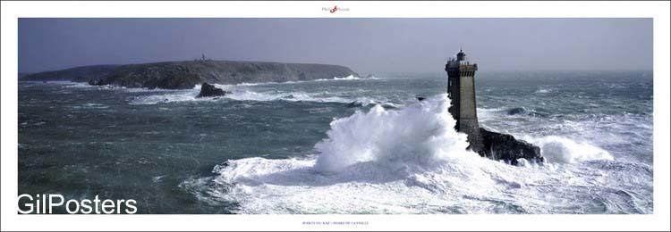 מי ישמור על המגדלורצרפת  ים אי סוער כחול גלים סלעים