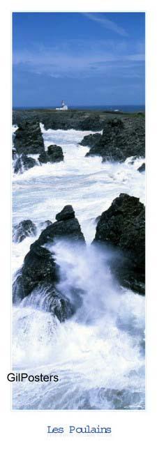 בית ומגדלור 2חוף סלעים צוק גלים סערה התנפצות