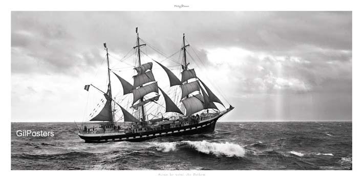 בלב יםשחור לבן נהר יאכטה ספינה גלים ערפל