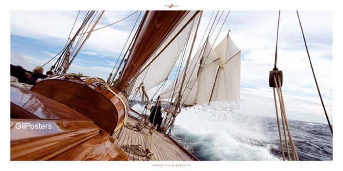 יאכטהאניה ספינה אניות ים סוער יאכטה שיט שייט שמים אפורים גלים מהר