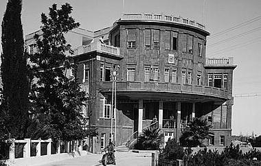 בנין העיריה הישן - תל אביב   - תמונה על קנבס,מוכנה לתליה.בנין העיריה הישן - תל אביב