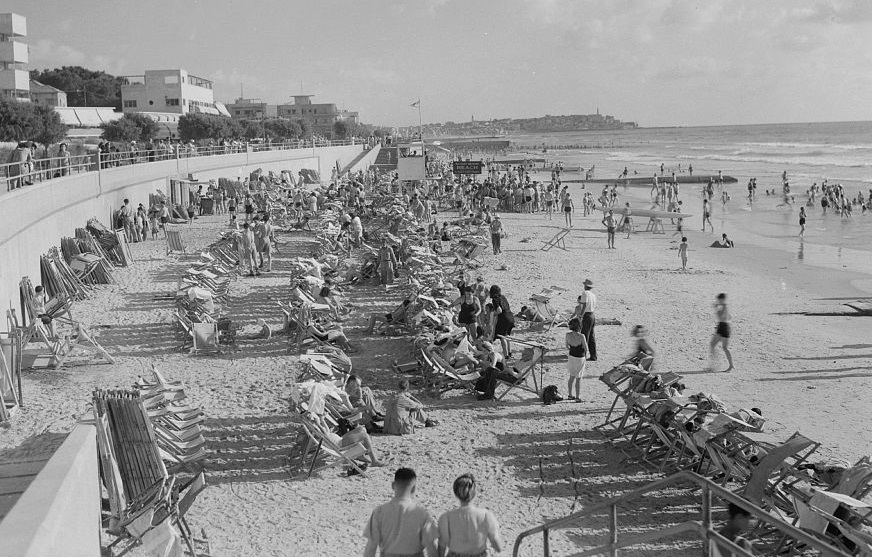 חוף הים - תל אביב   - תמונה על קנבס,מוכנה לתליה.חוף הים  תל אביב