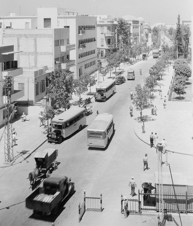 רחוב אלנבי - תל אביב  - תמונה על קנבס,מוכנה לתליה.רחוב אלנבי - תל אביב