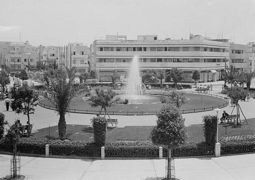 ככר דיזנגוף - תל אביב - תמונה על קנבס,מוכנה לתליה.ככר דיזנגוף - תל אביב
